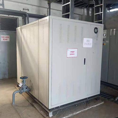 4台800KW电热水锅炉现场安装图
